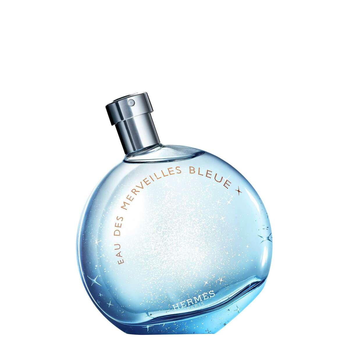 An extension of Hermes? classic Eau des Merveilles, this blue takes on all the wondrous possibilities from sea to sky to stars. Woodsy with a heart of patchouli and a sparkle of ?marine surprises.?