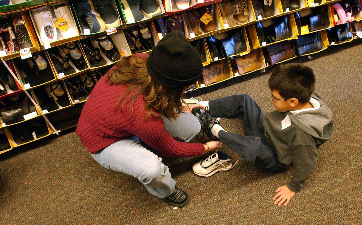 Payless ShoeSource filed for bankruptcy protection from creditors on Tuesday, April 4, 2017, with the Kansas-based company planning to close 400 stores immediately, with its operations including several locations in southwestern Connecticut. (Robert McLeroy/Staff)