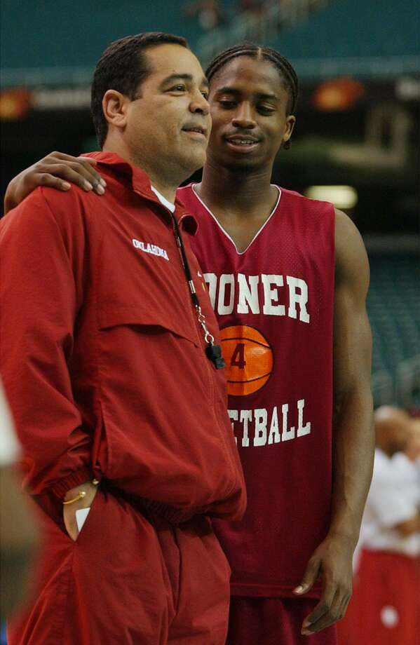 KRT SPORTS STORY SLUGGED: FINALFOUR KRT PHOTOGRAPH BY PATRICK SCHNEIDER/CHARLOTTE OBSERVER (March 26) ATLANTA, GA - Quanna White, will now serve as an assistant coach to head coach Kelvin Sampson, after playing for him as a Sooner. Photo: PATRICK SCHNEIDER, KRT / CHARLOTTE OBSERVER