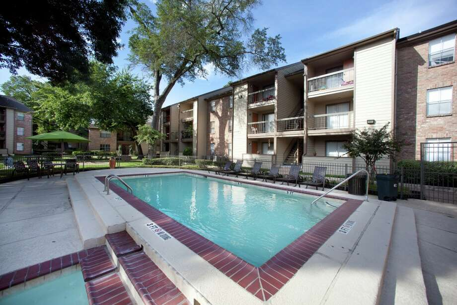 A partnership has purchased the 300-unit Timberwalk Apartment Homes. Photo: Performance Properties