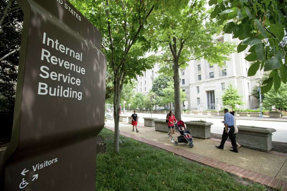 The IRS says it is once again using private debt collectors to go after tax delinquents. The resumption of the program comes amid a wave of telephone scams in which fake IRS agents try to con innocent taxpayers out of their money. Photo: Andrew Harnik /Associated Press / Copyright 2017 The Associated Press. All rights reserved.