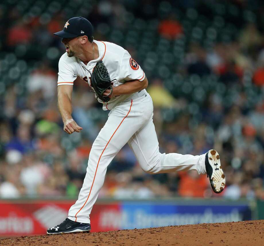 Houston Astros relief pitcher Luke Gregerson is trying to rediscover the movement on his sinker. Photo: Karen Warren, Houston Chronicle / 2017 Houston Chronicle