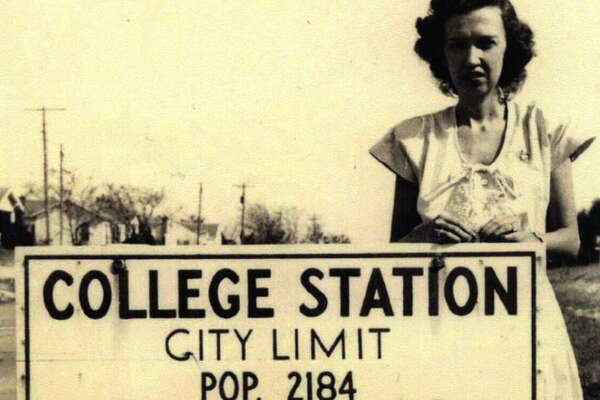 CIRCA 1930: The population sign in College Station. These days the population is estimated to be just over 100,000.