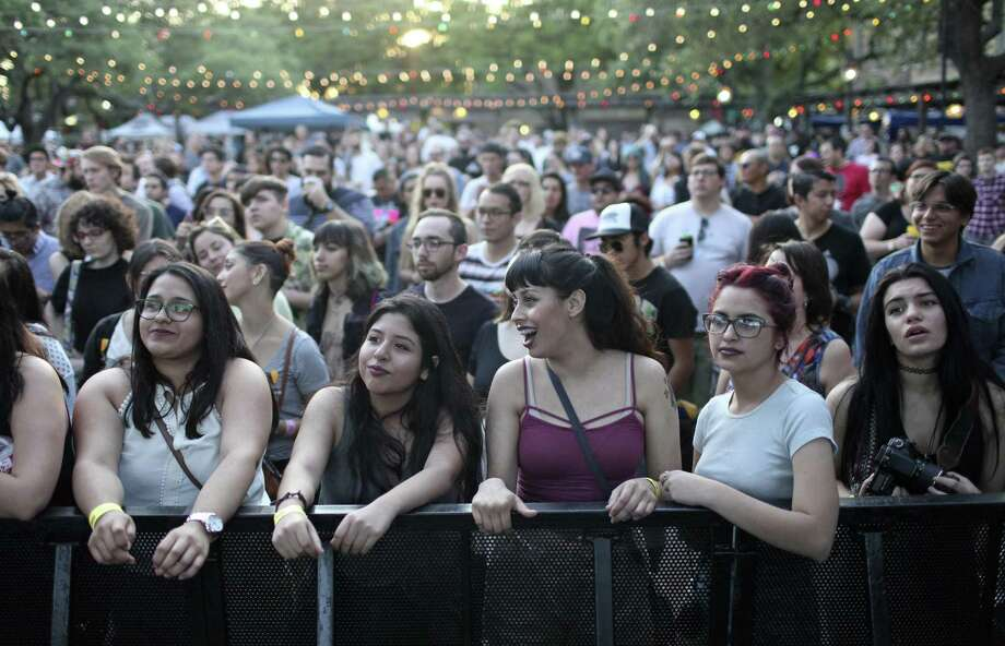 Fans flocked to La Villita for the 2016 Maverick Music Festival. Thanks to the participation of the Tobin Center for the Performing Arts, the festival may grow in future years. Photo: Edward A. Ornelas /San Antonio Express-News / © 2016 San Antonio Express-News
