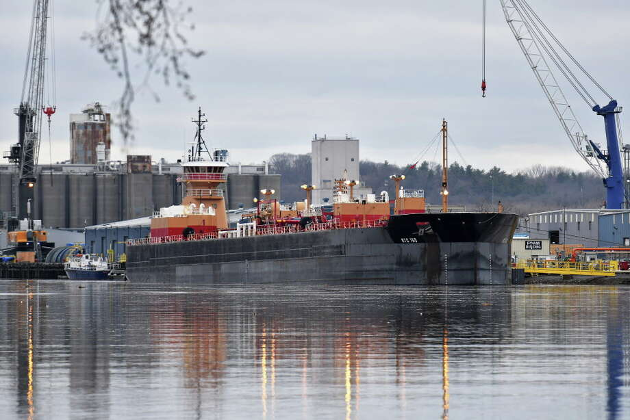 Gasoline is offloaded from a barge at the Global Albany terminal Wednesday April 5, 2017 in Albany, NY, after it got stuck in the Hudson River near Catskill yesterday.  (John Carl D'Annibale / Times Union) Photo: John Carl D'Annibale, Albany Times Union / 20040160A