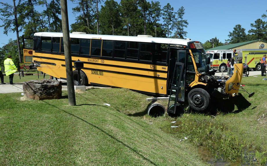 Bisd Bus Driver To Be Cited For Speed After Crash That Injured 25 Laredo Morning Times