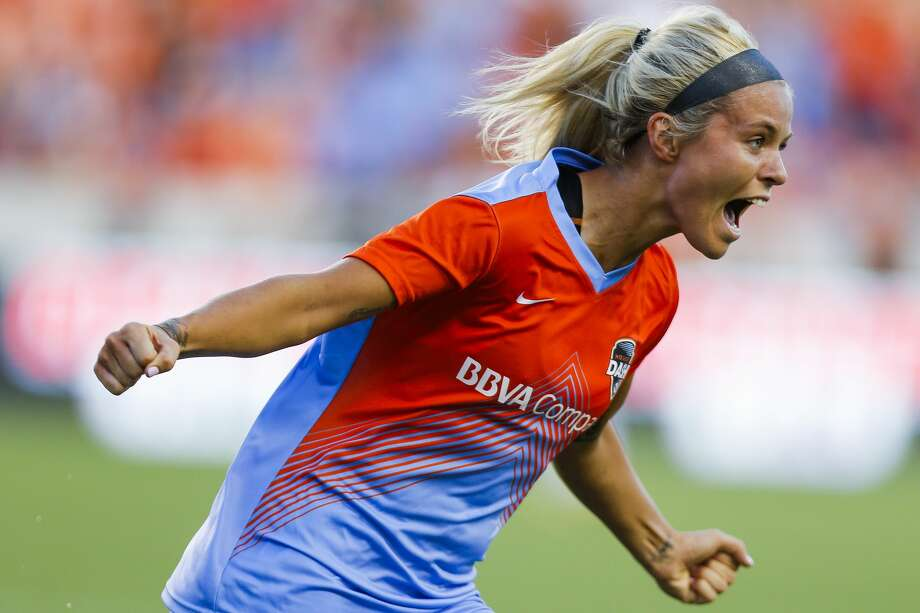 Houston Dash forward Rachel Daly made Sports Center's Top 10 plays for Saturday when she scored a brilliant curling shot in the season opening win over the Chicago Red Stars. Photo: Michael Ciaglo/Houston Chronicle