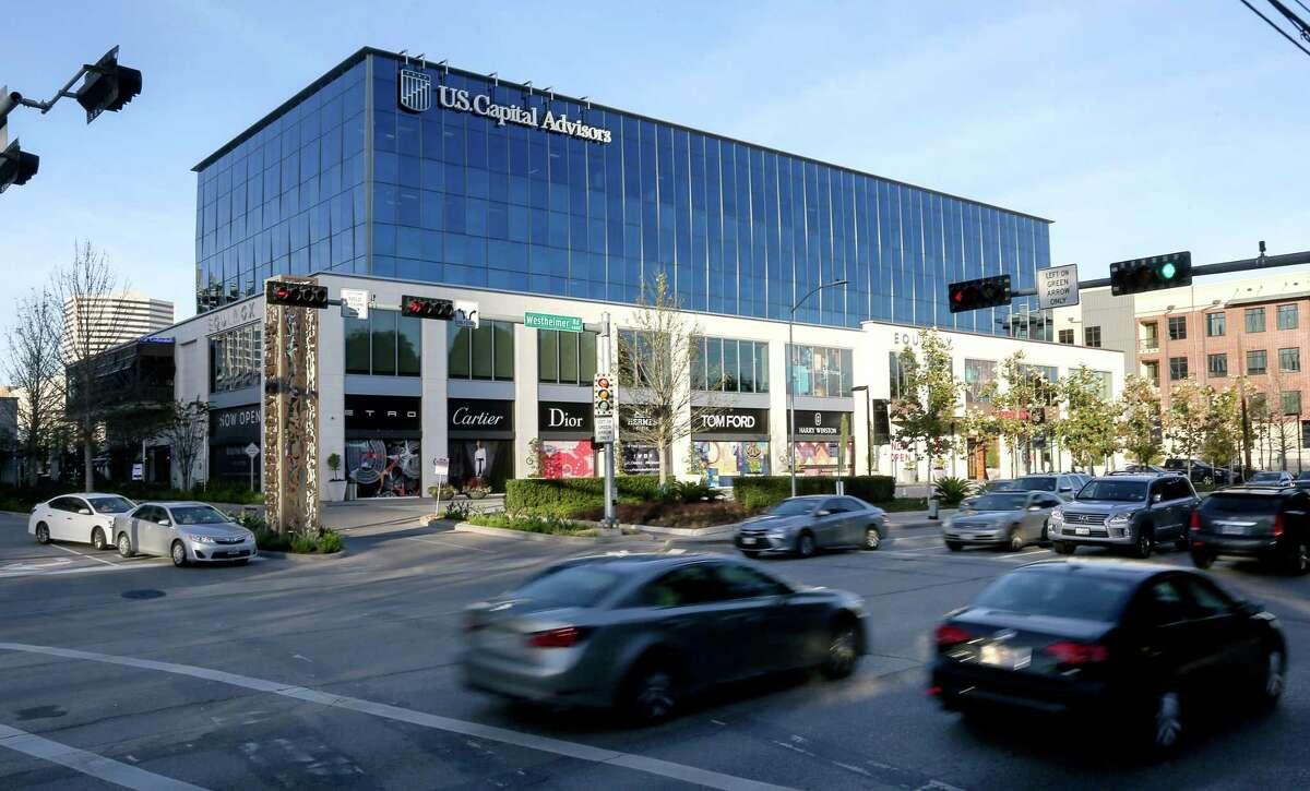 The River Oaks District shopping center is seen Tuesday, Jan. 3, 2017, in Houston. ( Jon Shapley / Houston Chronicle )
