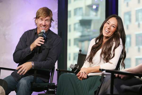 """NEW YORK, NY - OCTOBER 19:  The Build Series present Chip Gaines and Joanna Gaines to discuss their new book """"The Magnolia Story""""  at AOL HQ on October 19, 2016 in New York City.  (Photo by Mireya Acierto/FilmMagic)"""