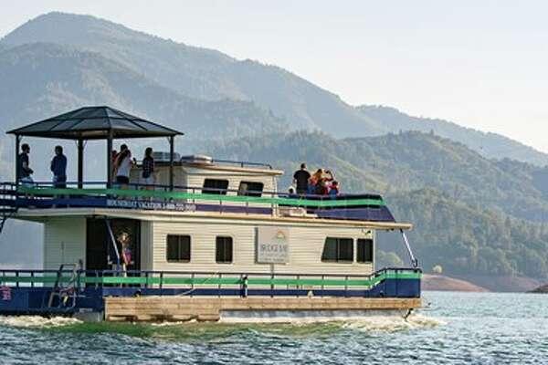 Travelzoo Houseboat Lake Shasta