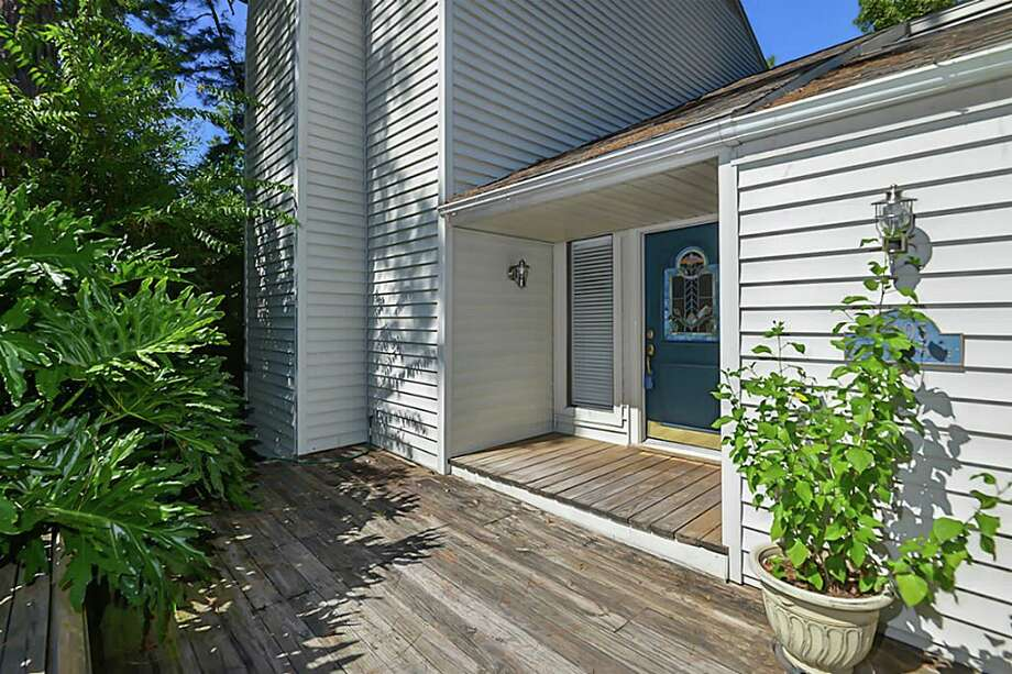 11405 Slash Pine Place - $200,000Price reduced 9.09 percentThe home was built in 1976 and has three bedrooms, two full bathrooms and one half bathroom, at $101.83 per square foot.Listing on HAR.com by Rebecca Drake Photo: HAR.com