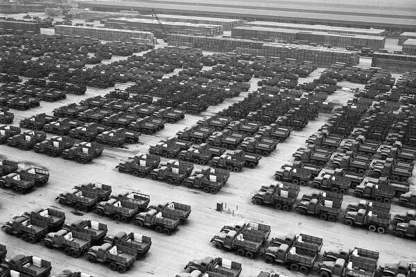 $100 for a jeep? World War II surplus frenzy hits Bay Area