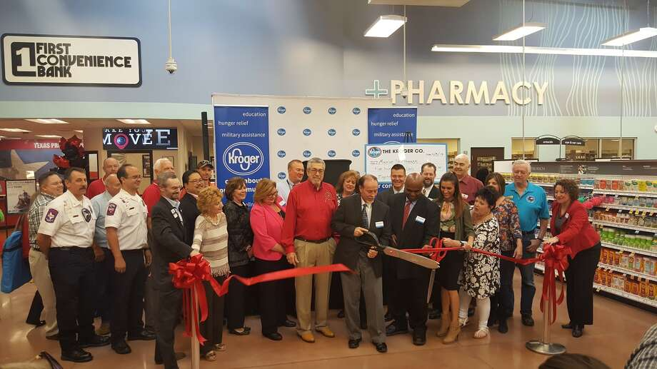 Kroger representatives and community members celebrate the grand opening of Kroger Marketplace in Valley Ranch Town Center in New Caney with a ribbon cutting ceremony Wednesday, April 5. Photo: Melanie Feuk