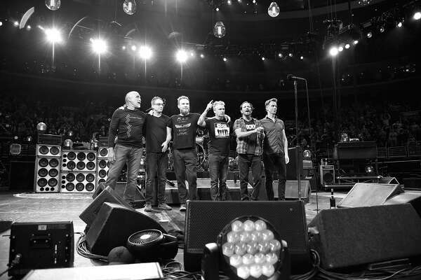 Pearl Jam performs at Wells Fargo Center on April 29, 2016 in Philadelphia, Pennsylvania.  (Photo by Kevin Mazur/WireImage)