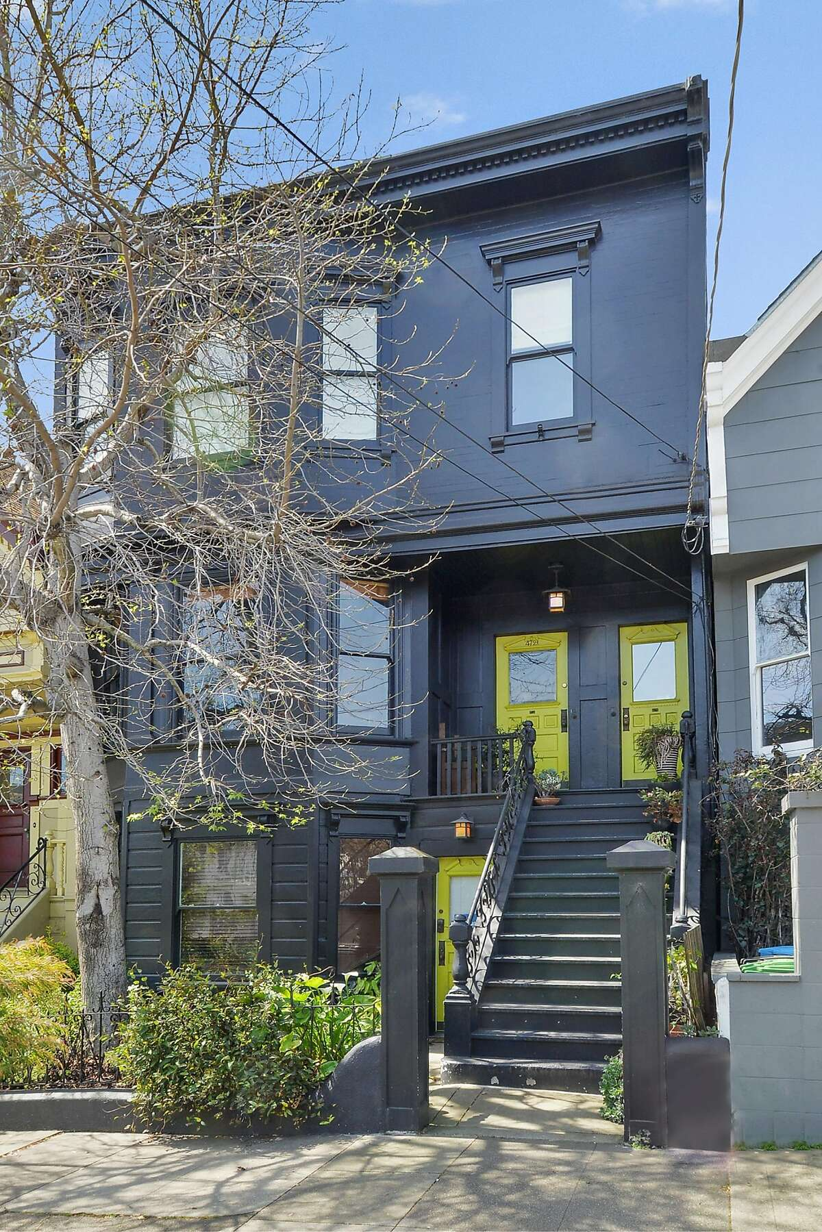 472 1/2 Noe St. is a two-bedroom flat with expansion potential available for $699,000.