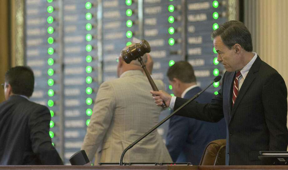 House Speaker Joe Straus records votes on the passage of an amendment to the House budget at the Texas Capitol in Austin, Thursday, April 6, 2017. (Stephen Spillman / for Express-News) Photo: Stephen Spillman / Stephen Spillman / stephenspillman@me.com Stephen Spillman