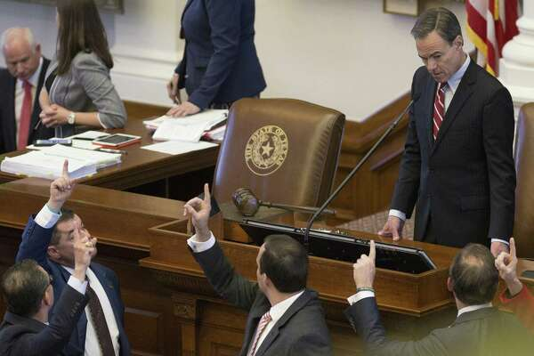 Bathroom bill may follow vouchers to death in Texas House