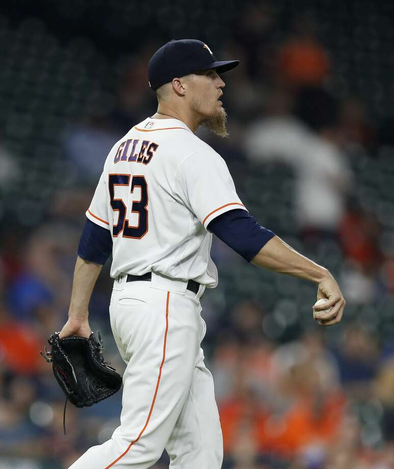 Houston Astros relief pitcher Ken Giles (53) reacts after giving up a run on Seattle Mariners Jarrod Dyson's RBI single in the ninth inning of an MLB baseball game at Minute Maid Park, Thursday, April 6, 2017, in Houston.   ( Karen Warren / Houston Chronicle ) Photo: Karen Warren/Houston Chronicle