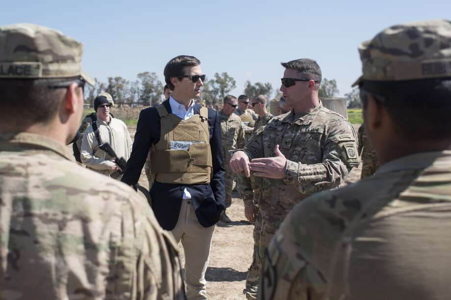 Twitter and Jared KushnerA photo of Jared Kushner's appearance while talk to service members has gone viral on Twitter, bringing a flurry of memes, jokes and insults.Click through to see how Twitter reacted to Jared Kushner's trip to Iraq.