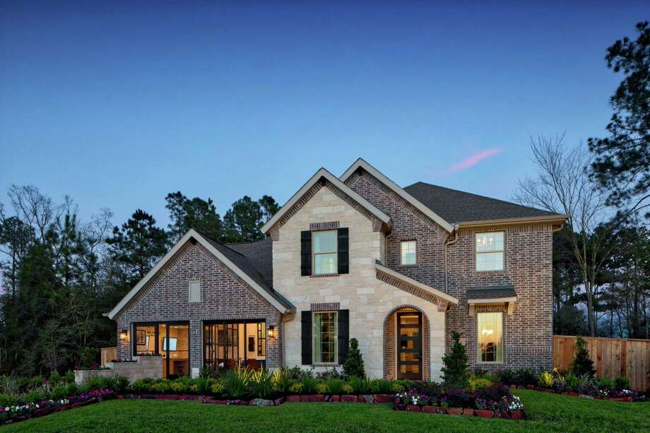T Select by Toll Brothers caters to a new market segment with offerings consisting of 60- to 65-foot-wide homesites, 2,800- to 3,500-square-foot homes, and one- to two-story floor plans. T Select NorthPointe at Wildwood is now open.