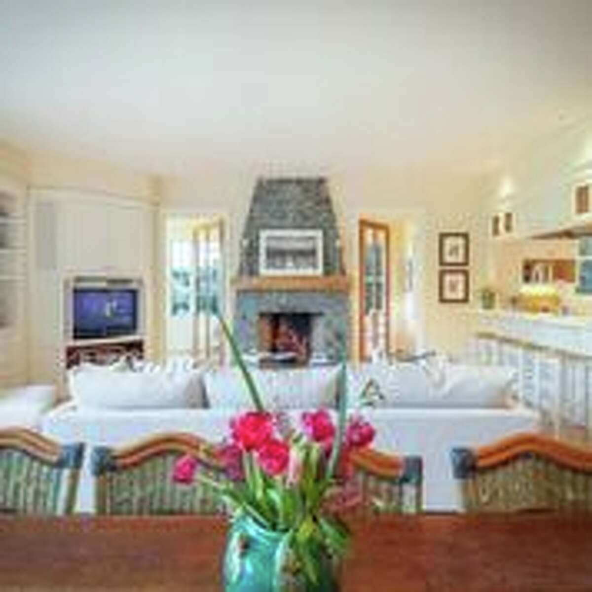 The perfect Bay Area vacation home? A delightful, sunny Bolinas home set on 10 pastoral acres and about a mile from the sea is on the market for $5.295 million.