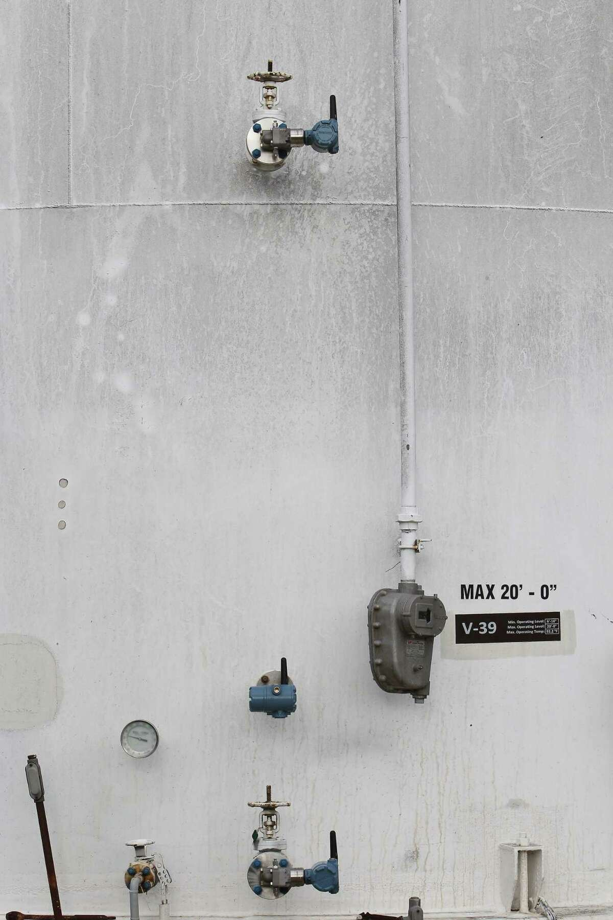OXEA Corporation chemical plant has several wireless Rosemount pressure and temperature transmitters on a storage tank Thursday, March 30, 2017, in Bay City. Big industrial technology manufacturers are fighting for marketshare in the oil and gas industry, pushing oil and gas companies to go digital. ( Steve Gonzales / Houston Chronicle )