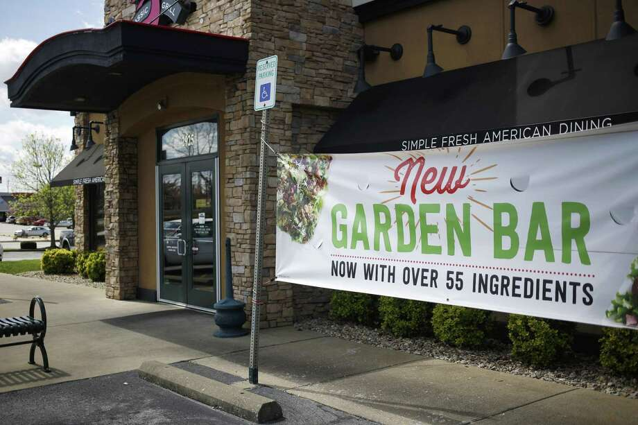 """All 607 of Ruby Tuesday's locations have been outfitted with a revamped """"Garden Bar,"""" the hipper-sounding name the chain has long used for its make-your-own salad station. Ruby Tuesday is betting that its salad bar can be an anchor of a turnaround for a restaurant that's been battered by new competition and outmaneuvered by one of its oldest rivals. Photo: Luke Sharrett /Bloomberg News / © 2017 Bloomberg Finance LP"""