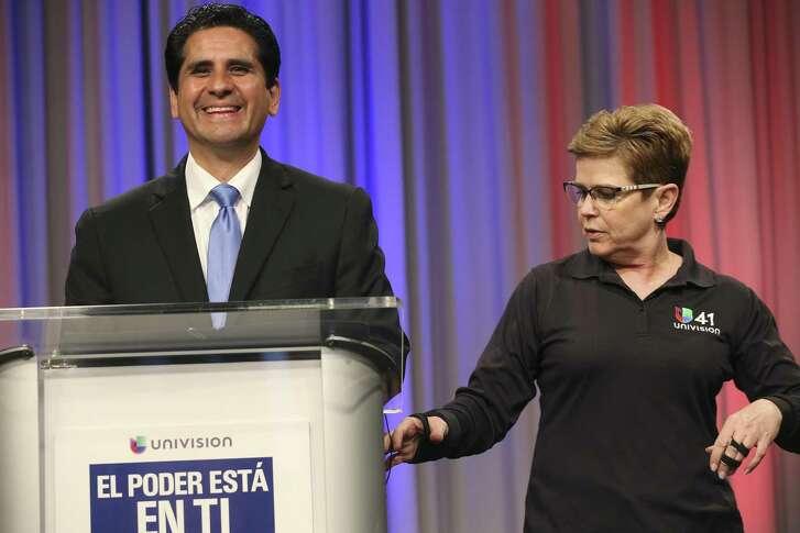 Manuel Medina heads the the Bexar Demo cratic Party.