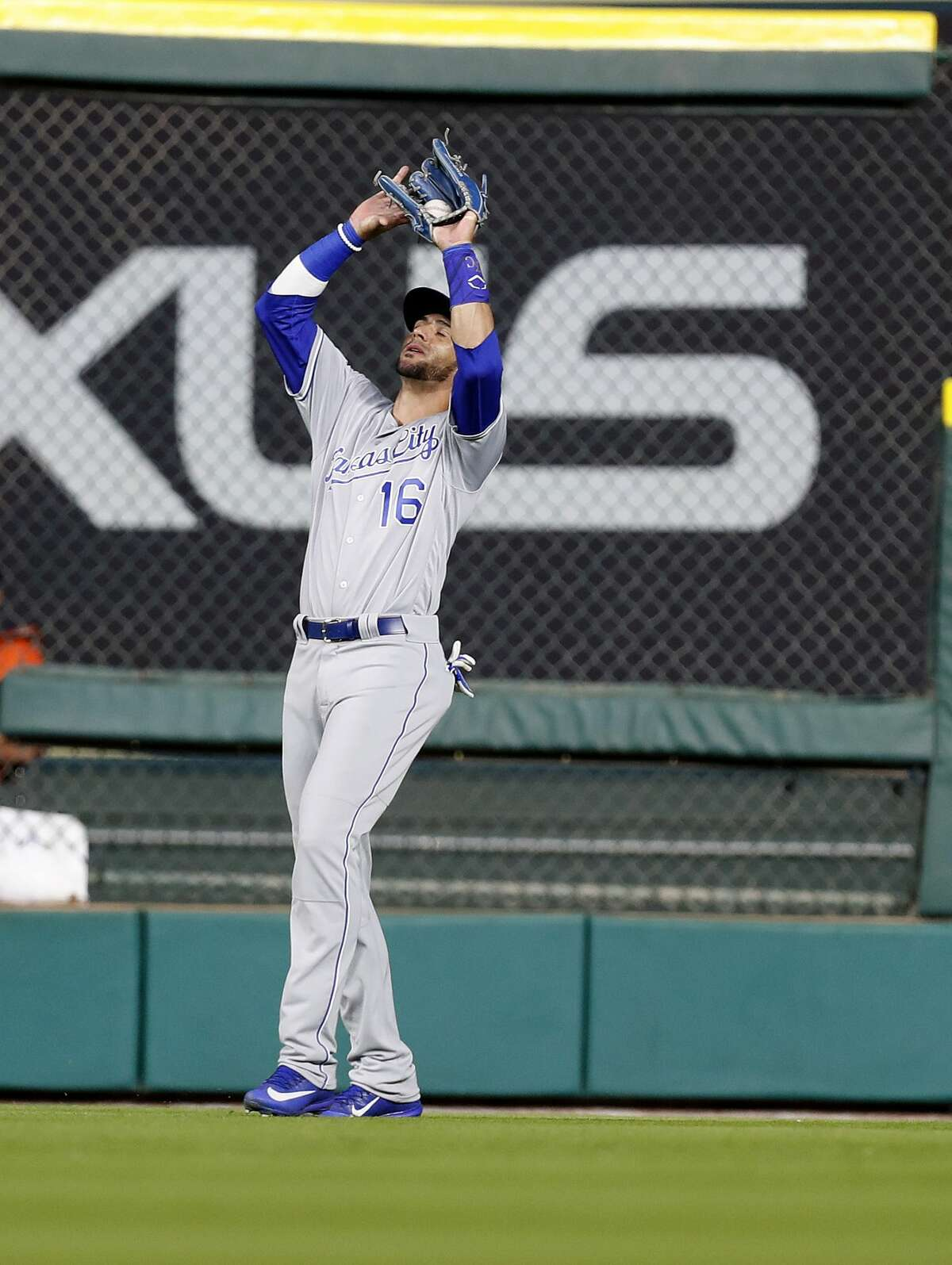 Kansas City Royals right fielder Paulo Orlando (16) catches Evan Gattis' fly ball for the final out of an MLB baseball game at Minute Maid Park, Friday, April 7, 2017, in Houston. ( Karen Warren / Houston Chronicle )