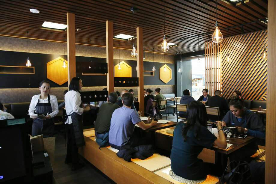 Click on the slideshow ahead to see the best restaurants for dining solo.  Photo: Lea Suzuki, The Chronicle