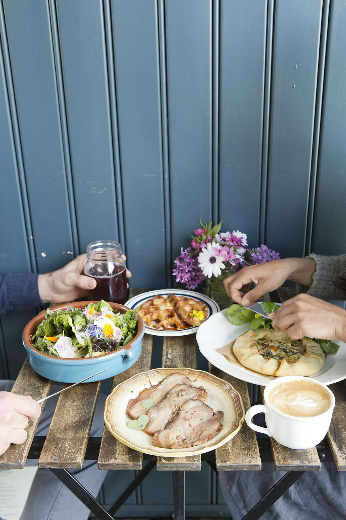 The Naked Pig in Santa Rosa is a charming farm-to-table restaurant and cafe in the middle of a parking lot. Menu is focused on harvested and foraged foods.