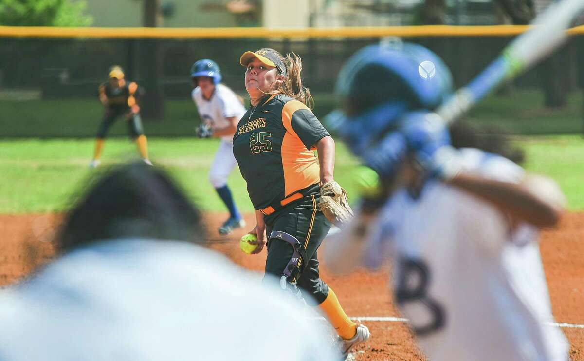LCC pitcher Cali Serrano had a pair of complete games this weekend as the Palominos dropped all four road outings to Galveston and Alvin.