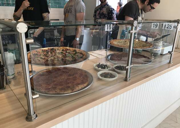 Arthur Mac's Tap & Snack opens near MacArthur BART in Oakland