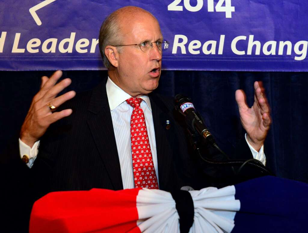Lt Governor Candidate Davewalker Speaks To His Supporters At Local Kitchen  And Beer Bar In