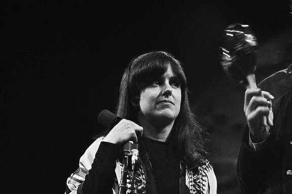 MONTEREY CA - JUNE 17:  Grace Slick of Jefferson Airplane performs on stage at the Monterey Pop Festival on June 17 1967 in Monterey, California. (Photo by Michael Ochs Archives/Getty Images)