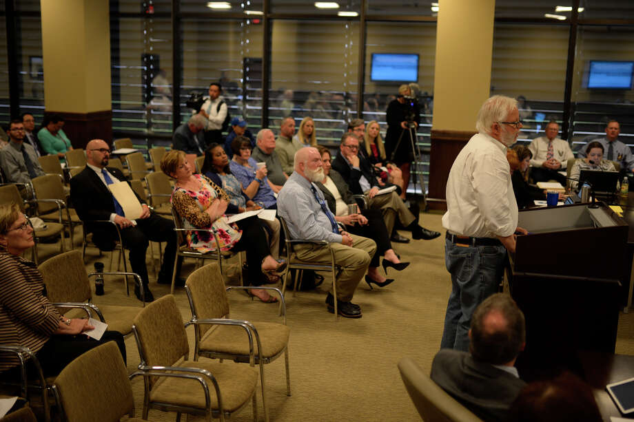 Citizens voiced their opinions on the proposed movement of nuclear waste through Midland county via railway during a commissioners court meeting April 10, 2017, at the Midland County Courthouse. James Durbin/Reporter-Telegram Photo: James Durbin