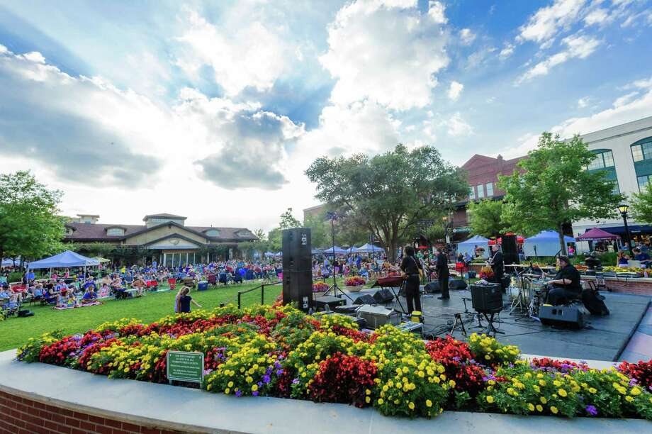 Market Street's popular spring concert series, featuring artists in country, rock and acoustic guitar and more, returns to the luxury shopping, dining and entertainment destination every Thursday, April 20 through June 8, from 6 to 8:30 p.m. Photo: DERRICK BRYANT PHOTOGRAPHY