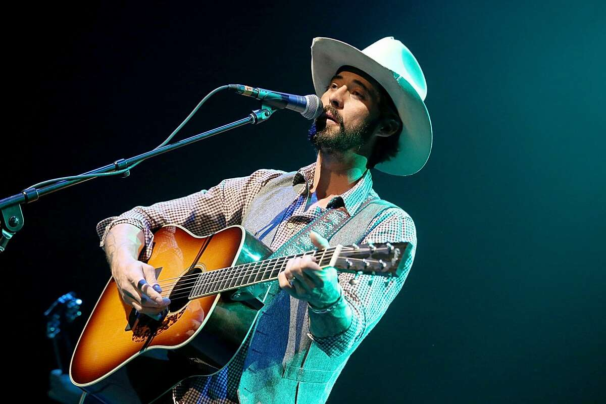 Ryan Bingham, country music artist Before Bingham was releasing critically acclaimed studio albums, he was growing up in Laredo. Bingham lived in Laredo briefly as a teenager before moving to Houston for high school.