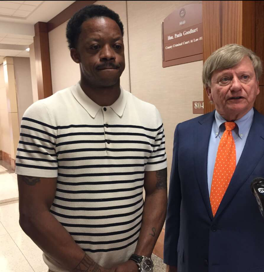 Former Houston Rocket Steve Francis, left, appears in court Tuesday, April 11, 2017 along with attorney Rusty Hardin to pleaad guilty to DWI charges. Photo: Brian Rogers | Houston Chronicle