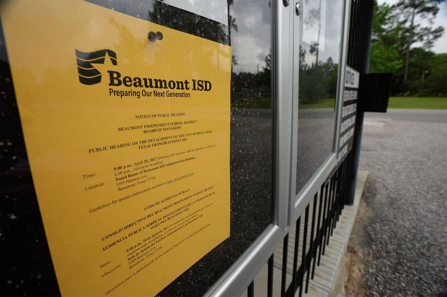 A notice hangs on a Bevil Oaks' bulletin board announcing a public meeting for the city's possible detachment from Beaumont Independent School Board's zoning. The meeting will be held at 5 p.m. on April 20 at the BISD administration building.    Photo taken Tuesday, April 11, 2017 Guiseppe Barranco/The Enterprise Photo: Guiseppe Barranco, Guiseppe Barranco/The Enterprise