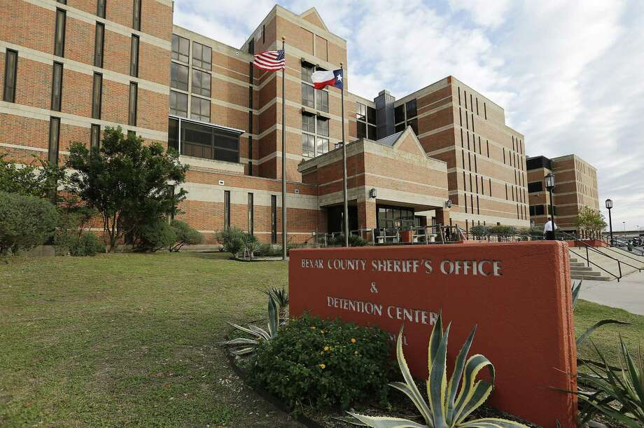 Exterior shot of the Bexar County Sheriff's Office and Detention Center.   Photo: Kin Man Hui /San Antonio Express-News / ©2015 San Antonio Express-News