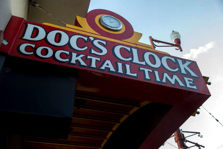 Doc's Clock in its current location, at2575 Mission Street. Photo: Santiago Mejia