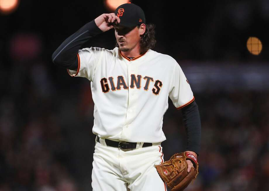 Giants pitcher Jeff Samardzija (29) prepares to pitch during a game between the San Francisco Giants and the Arizona Diamondbacks at AT&T Park in San Francisco, California, on Tuesday, April 11, 2017. Photo: Gabrielle Lurie, The Chronicle