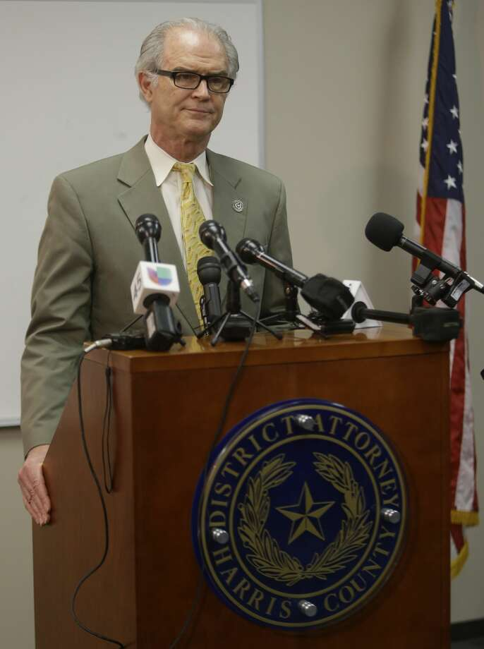 David Mitcham, trial bureau chief with the Harris County District Attorney's Office, speaks to the media about an audit at the Houston Forensic Center shown Wednesday, April 12, 2017, in Houston. ( Melissa Phillip / Houston Chronicle ) Photo: Melissa Phillip/Houston Chronicle