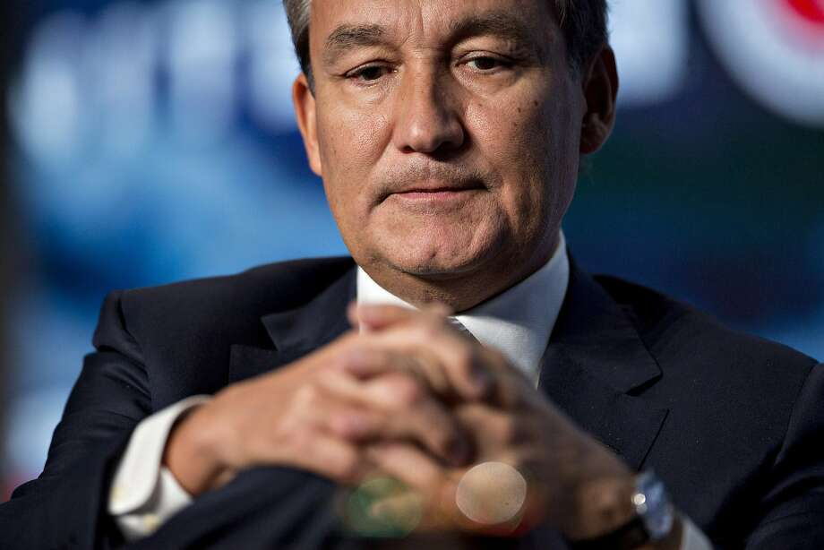Oscar Munoz, chief executive officer of United Continental Holdings Inc., listens to a question during a discussion at the U.S. Chamber of Commerce aviation summit in Washington. Photo: Andrew Harrer, Bloomberg
