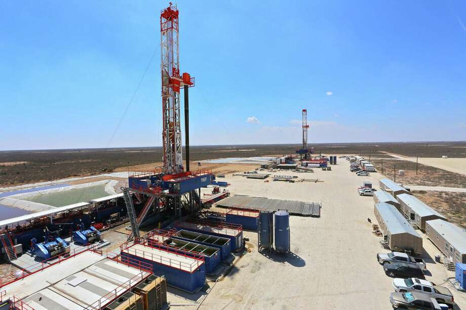 According to a Haynes & Boone survey that questioned 163 executives at oil companies, banks and private equity firms involved in the energy sector, 76 percent of respondents said they expect credit lines to stay steady or grow, and 89 percent predicted U.S. shale drillers will spend more in 2017. Photo: Patterson-UTI Drilling Co. / Dallas Morning News