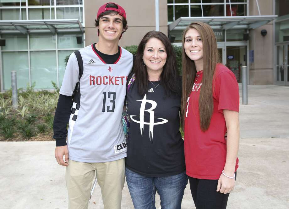 Fans pose for a photo before the Rockets takes on Minnesota Timberwolves Wednesday, April 12, 2017, in Houston. ( Yi-Chin Lee / Houston Chronicle ) Photo: Yi-Chin Lee/Houston Chronicle