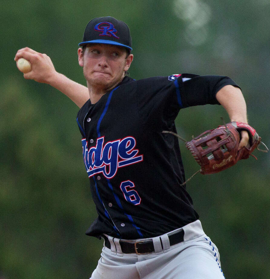 Oak Ridge starting pitcher Tyler Davis (6) throws during the first inning of a District 12-6A baseball, Wednesday, April 12, 2017, in The Woodlands. Photo: Jason Fochtman, Staff Photographer / © 2017 Houston Chronicle