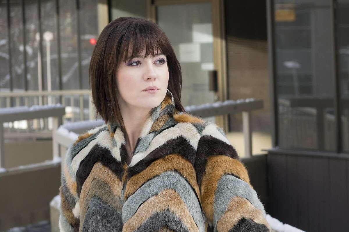 "Mary Elisabeth Winstead portrays cat-like stunner Nikki Swango, the girlfriend of Ray Stussy in 'Fargo,"" Season 3 on FX."