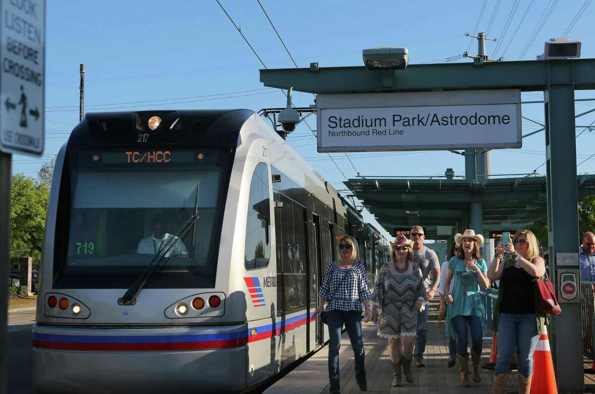 Houston has light rail, shown here. There is no reason San Antonio shouldn't as well.